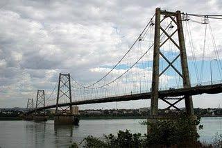 The current Tete bridge over the Zambezi River