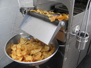 The Snackfresh cooker produces fresh potato chips in three minutes.