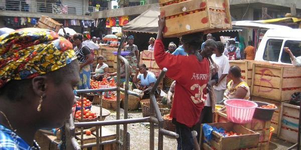 Informal market Ghana 600x300