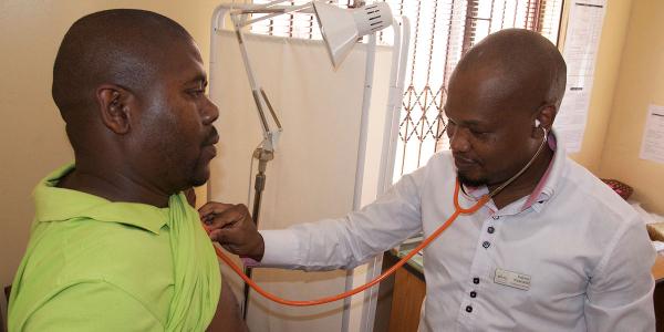 africa healthcare doctor 600x300