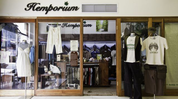 Hemporium – a Cape Town company that produces and sells a range of hemp clothing, accessories, cosmetics and other products – showcases the benefits of the environmentally-friendly hemp plant.