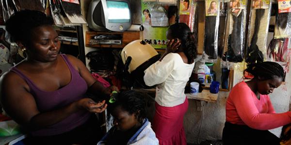 blog_nairobi_kenya_hairdressers_afp